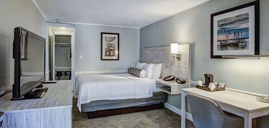 Queen Bed At BestWestern Sea Island Inn Beaufort South Carolina