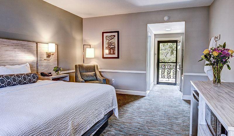 Bay Street View King Bed Rooms at Best Western Sea Island Inn Beaufort South Carolina