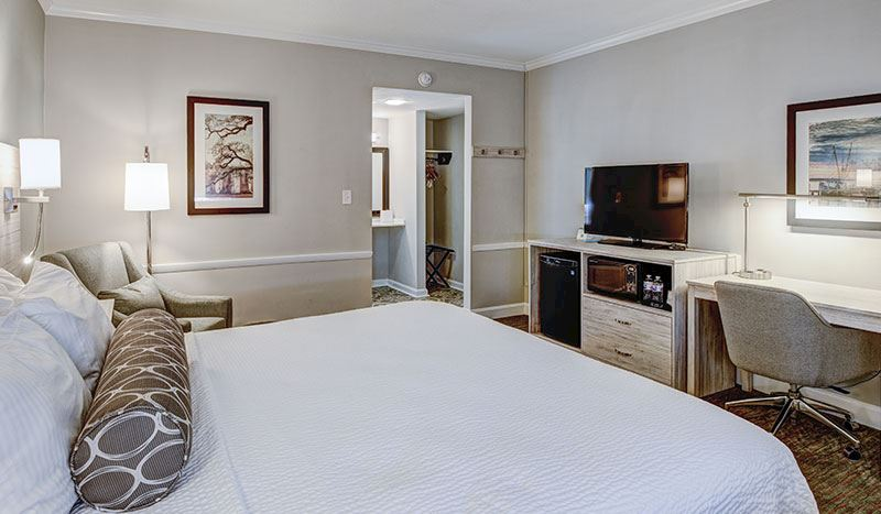 Best Western Sea Island Inn - Mobility Accessible 1 King Bed Rooms